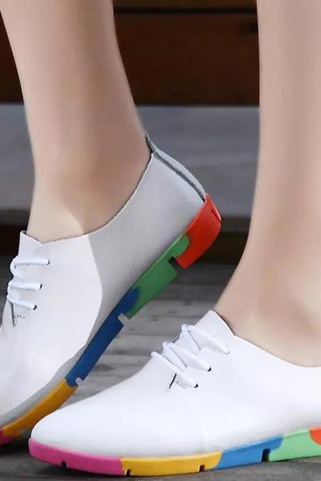 Pointed-Toe Lace-Up Sneakers with Colourful Sole